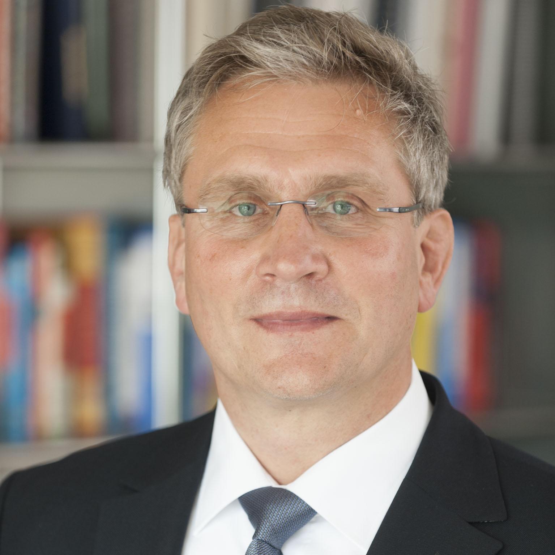 Prof. Jürgen Schmidt Institutsleitung CSE Pfinztal